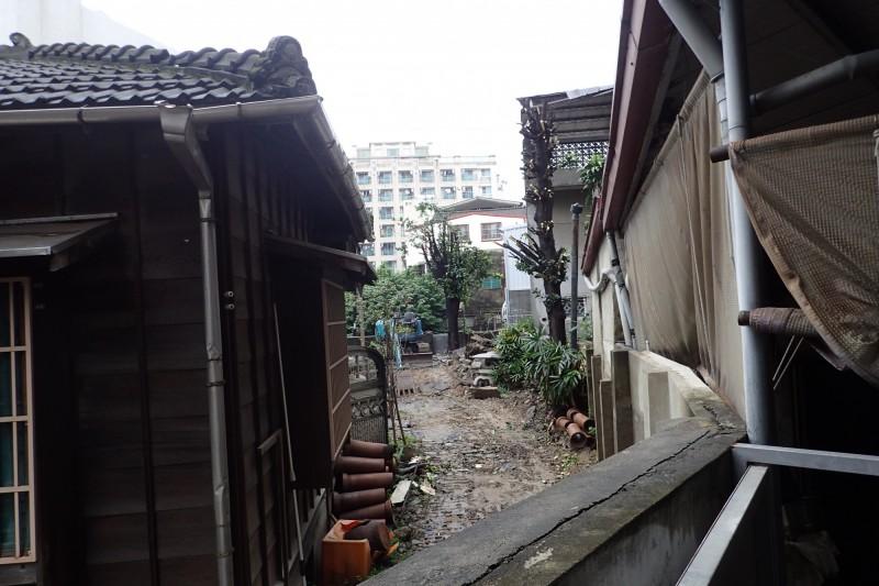 日治時期原「台南消防之父」住吉秀松宅邸(左),台南市文資處緊急啟動暫定古蹟保全程序。(台南市文資處提供)