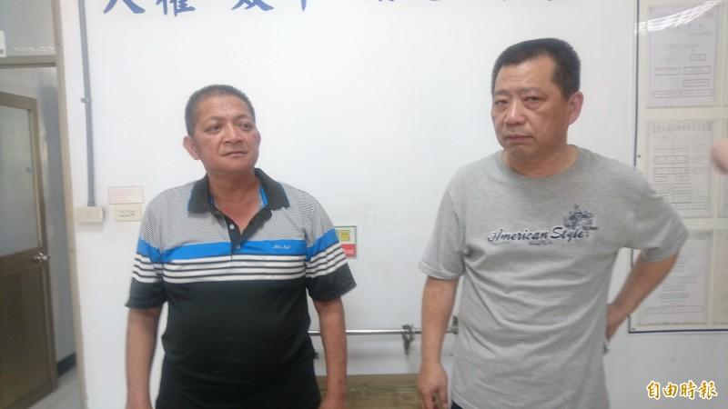去年在台南楠西山區開槍襲警的槍擊要犯陳宏宗,今凌晨傳出已在嘉義伏法,讓地方及員警都深感欣慰。圖為楠西分駐所所長王者音(右)及員警顏進財(左)。(資料照)