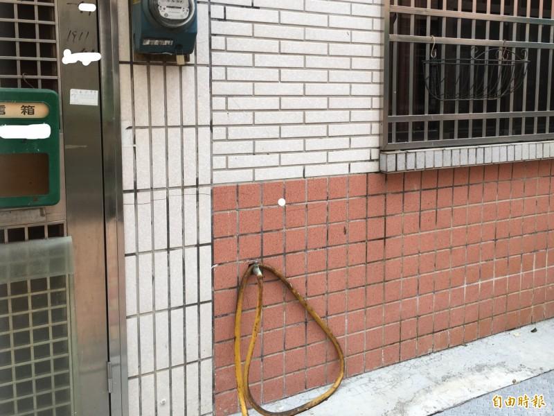 陳宏宗雲林住處鄰居表示已有多年未見陳與陳的家人。(記者林國賢攝)