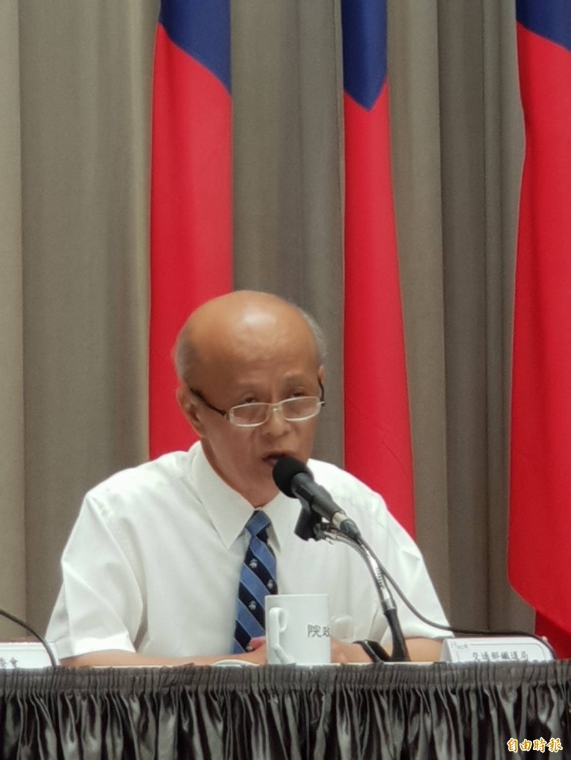 鐵道局長胡湘麟證實目前主要從國土及區域發展思考高鐵南延屏東案。(記者李欣芳攝)