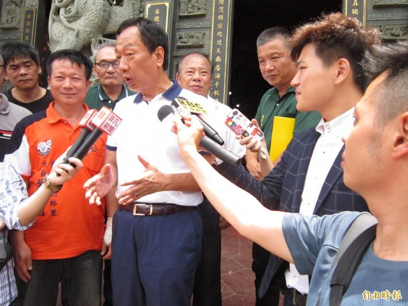 國民黨總統參選人郭台銘呼籲大企業對職棒盡分心力。(記者謝武雄攝)