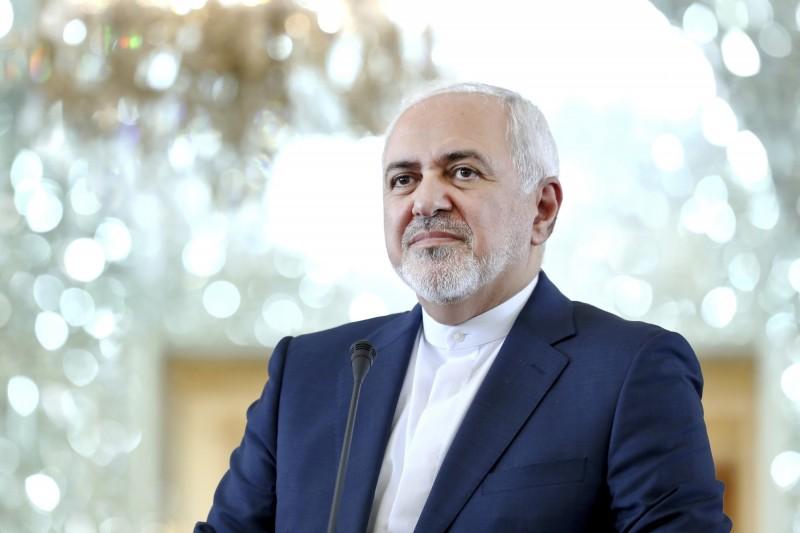 今(11)日稍早傳出英國油輪遭截,對此伊朗外交部長扎里夫(Mohammad Javad Zarif)表示,該油輪已經順利返航,英國官方所宣稱的「奪取」毫無參考價值。(資料照,美聯社)