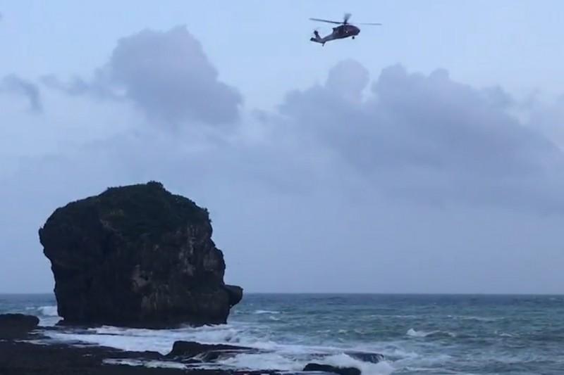 遺體在船帆石海域尋獲。(記者蔡宗憲翻攝)