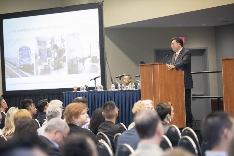鄭市長受邀擔任2019全球城市挑戰論壇(GCTC)講者,與國際分享城市治理經驗(市府提供)