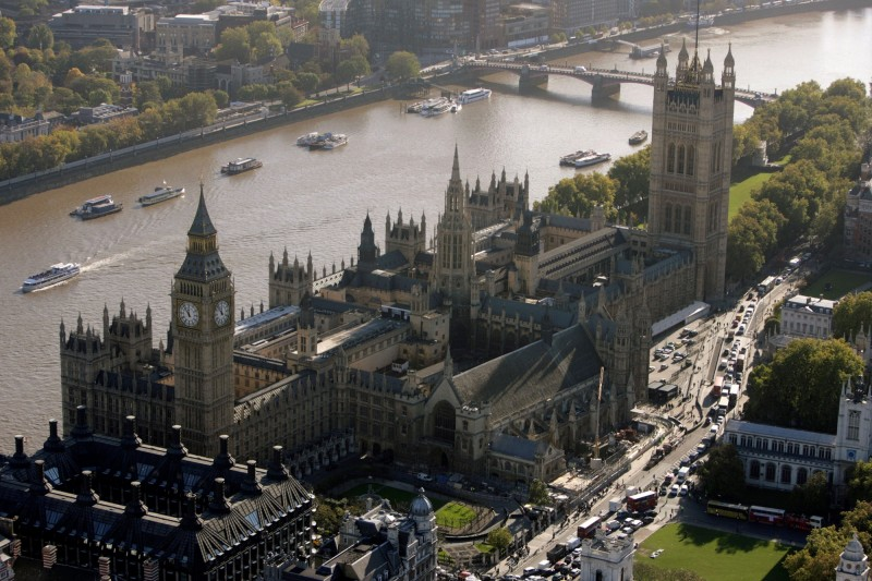 一份官方報告指出,英國下議院內性騷擾、霸凌等頻繁發生,且都被默默地接受。圖為英國國會所在地西敏宮。(路透)