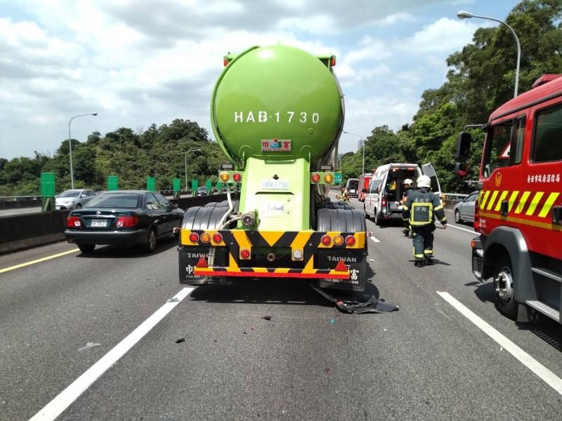 國道這起車禍造成一名7歲男童死亡。