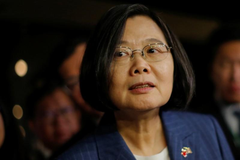 蔡英文總統在美國紐約過境第二天下午前往哥倫比亞大學,會中以英文致詞,談及台灣民主的重要性及假訊息及滲透戰威脅,也於談話中聲援香港。(路透資料照)