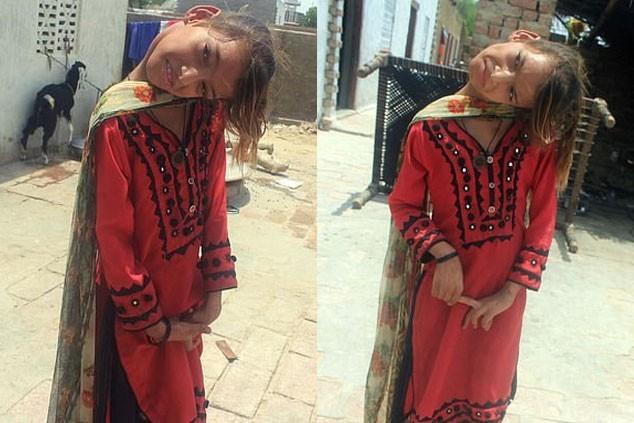 卡巴爾的爸爸去年患癌離世,家中頓失經濟支柱,只能依靠52歲的母親做家務助理的微薄收入苦撐。(圖擷自ProPakistan)