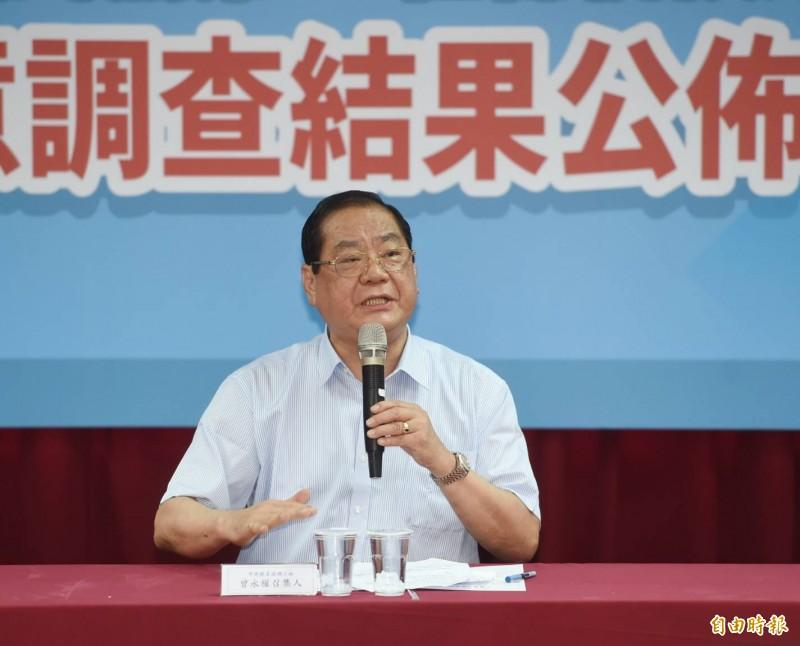 國民黨總統初選民調結果今天揭曉,由副主席兼秘書長曾永權宣布結果。(記者方賓照攝)
