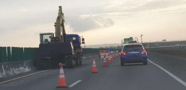 台88快速道路明晚(17日)施工,往高雄市的用路人要注意了。(記者葉永騫攝)