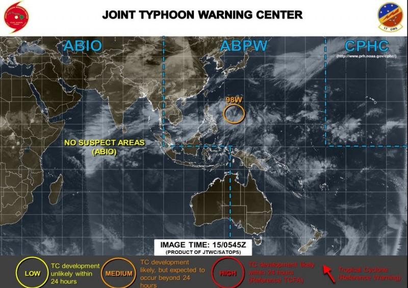 美軍預測指出,該天氣系統可能成為熱帶氣旋,但過程會超過24小時。(圖擷取自JTWC)