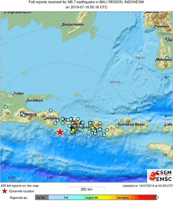 印尼著名觀光勝地峇里島今天上午8時18分發生芮氏規模6.1強震。(擷取自EMSC)