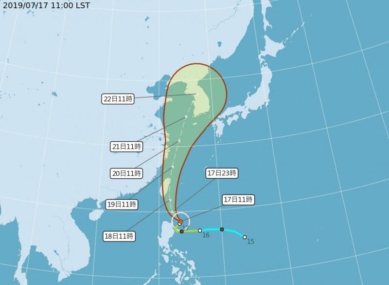 颱風丹娜絲即將影響台灣,經濟部水利署今上午完成風災二級災害緊急應變小組開設。圖為目前颱風動態。(擷取自中央氣象局網頁)
