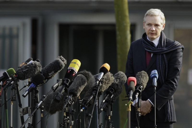 美媒《CNN》報導,維基解密創辦人亞桑傑(Julian Assange)秘密與俄國合作,干涉2016年美國總統大選。(美聯社)