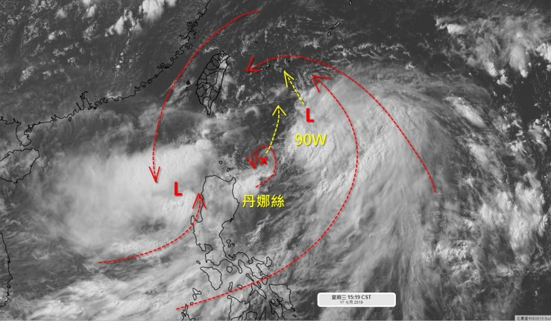 丹娜絲颱風東西兩邊各有一個低壓擾動,擾動90W位於丹娜絲東側,彼此互動牽引,而南海的91W獨立發展,週五接近中南部。(圖擷自「天氣職人-吳聖宇」臉書)