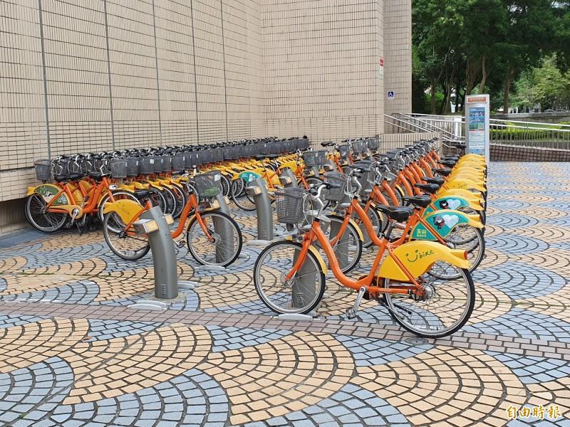 Google官方部落格今天發布消息,台灣使用者在新北市和高雄市可以使用Google地圖就能找出共享單車站點,並查詢附近站點的可租賃的車輛數,此外,使用者甚至可以查詢目的地附近的站點是否仍有空位可供還車。(資料照)