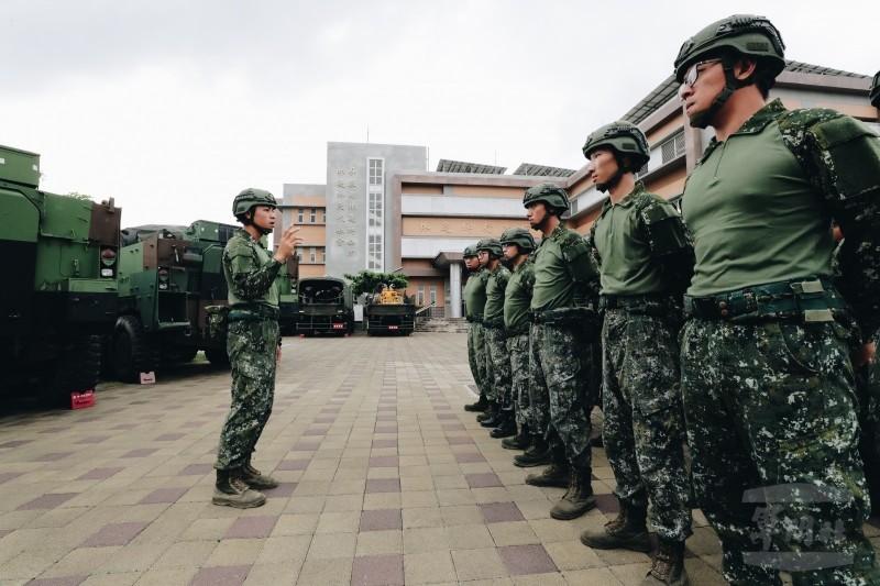 國軍透氣戰鬥衫亮相。(軍聞社)