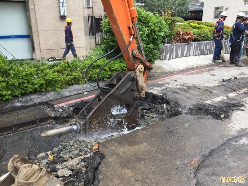 鶯歌區公所強調,瓦斯管線會加設防護措施,沒有安全問題。(記者邱書昱攝)