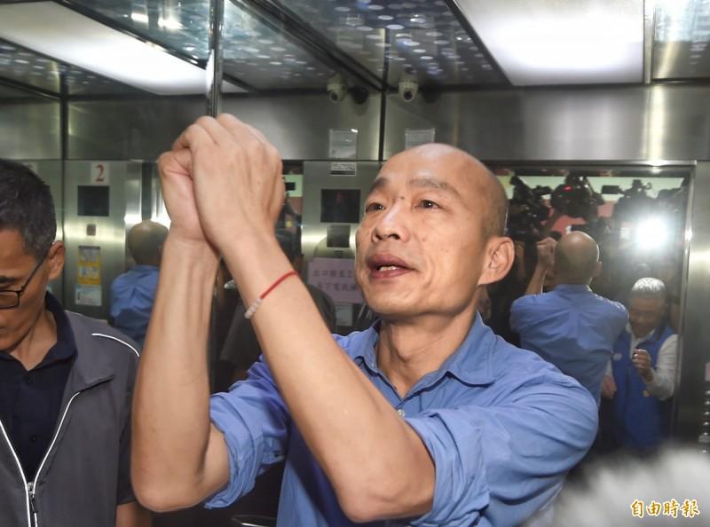 高雄市長韓國瑜昨深夜才剛在臉書PO文,自誇清淤有效,承諾還給大家一個不會遇雨便淹的高雄,沒想到今(19)日馬上被下午一場大雨光速打臉。圖為韓國瑜。(資料照)