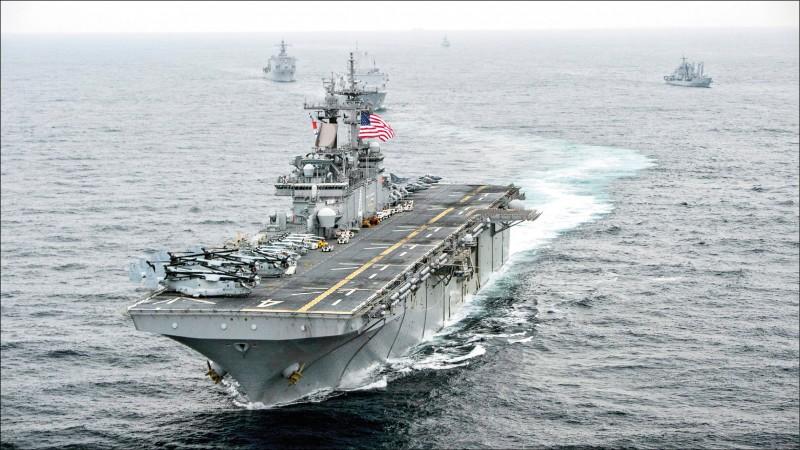 美國兩棲攻擊艦「拳師號」檔案照。(歐新社)