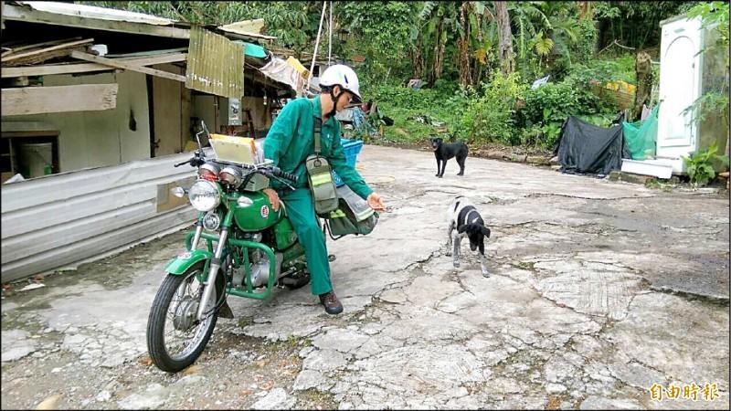 機車騎士被狗追事件頻仍。(資料照)