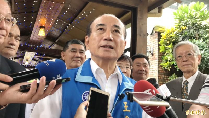高雄大雨慘淹,王金平認為韓國瑜有掌握到狀況,做了即時的處理。(記者吳俊鋒攝)