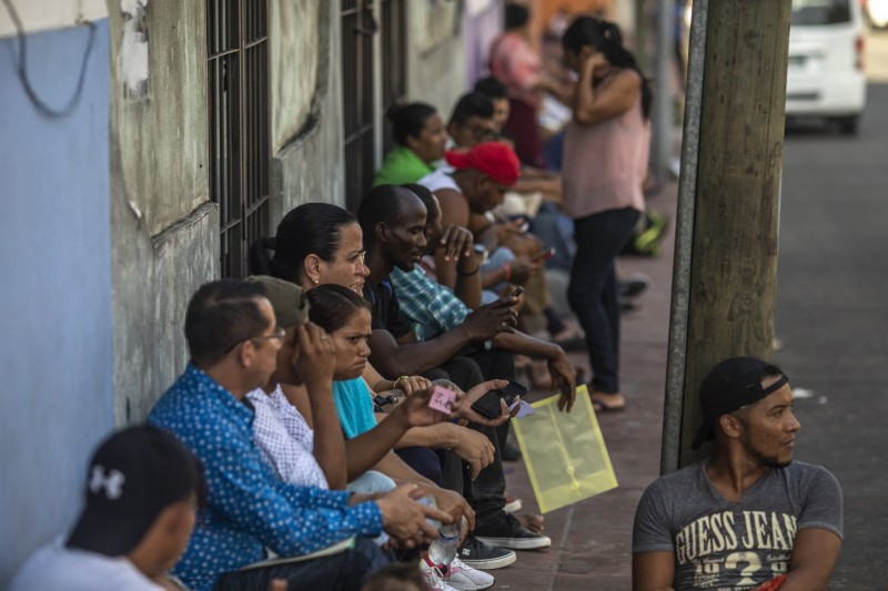 美國接納難民上限創近40年新低 官員建議明年降到「0」