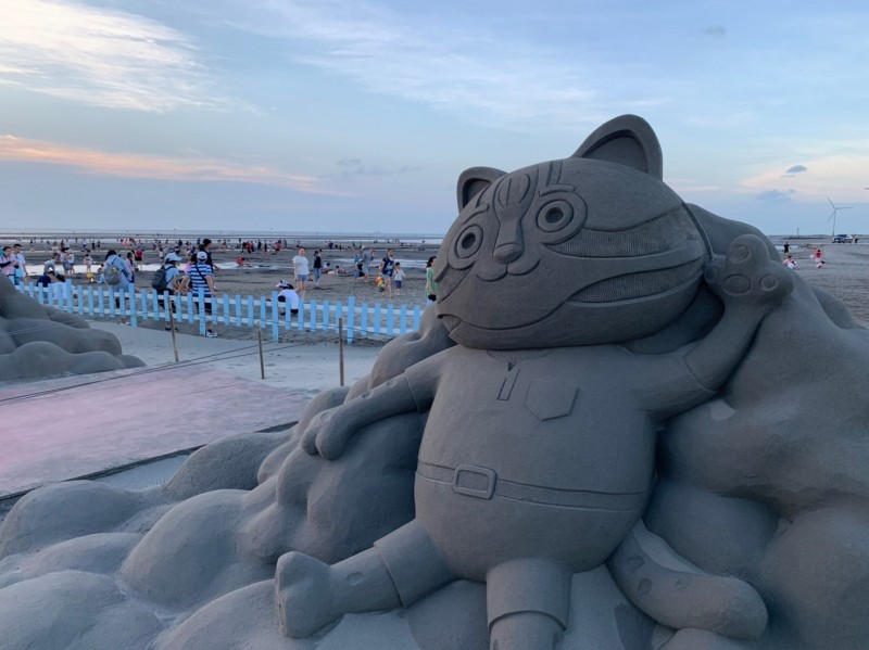 大安沙雕音樂季雖然於21日落幕,但現場沙雕將持續免費開放民眾參觀,直到自然風化損壞。(圖由觀旅局提供)
