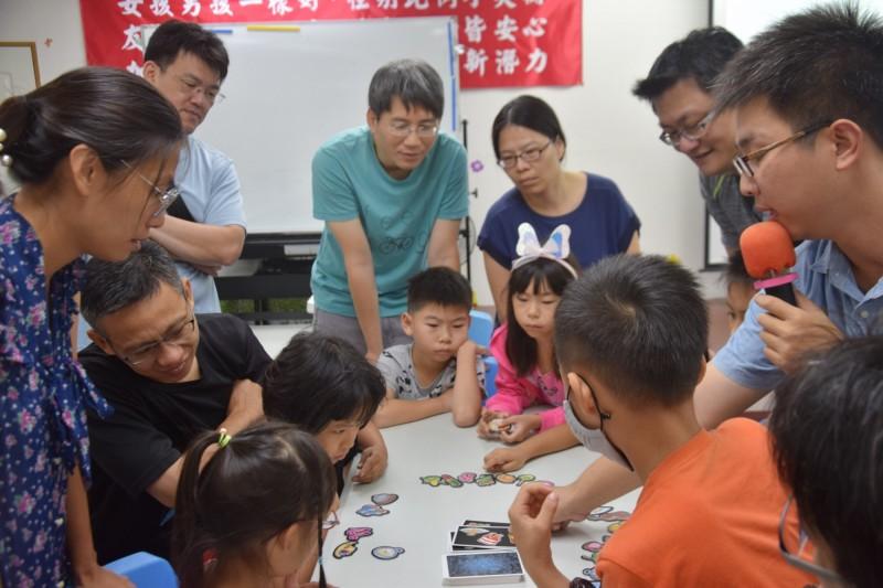 考驗記憶與腦力 親子玩桌遊好嗨