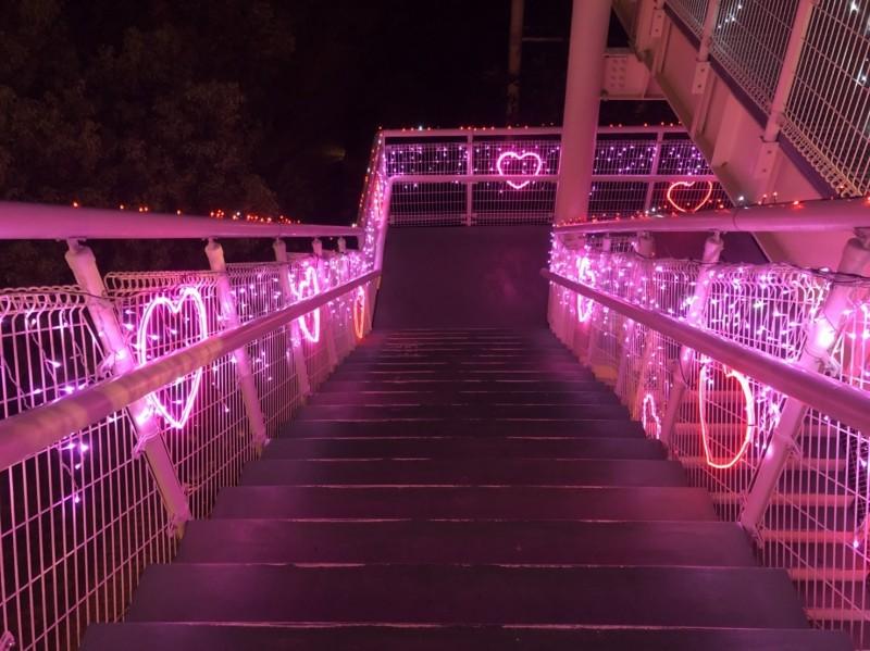 銀河光廊充滿心心相印的浪漫氛圍。(圖市公所提供)