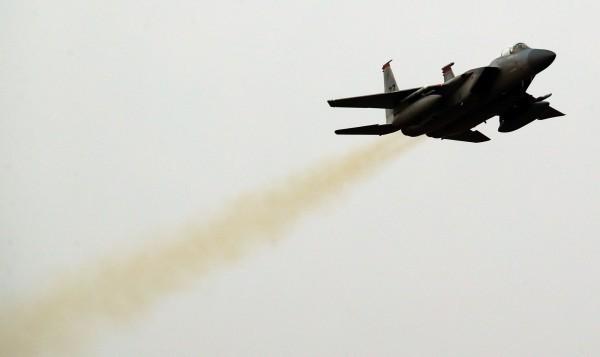 圖為F-15K戰機,示意圖。(歐新社)