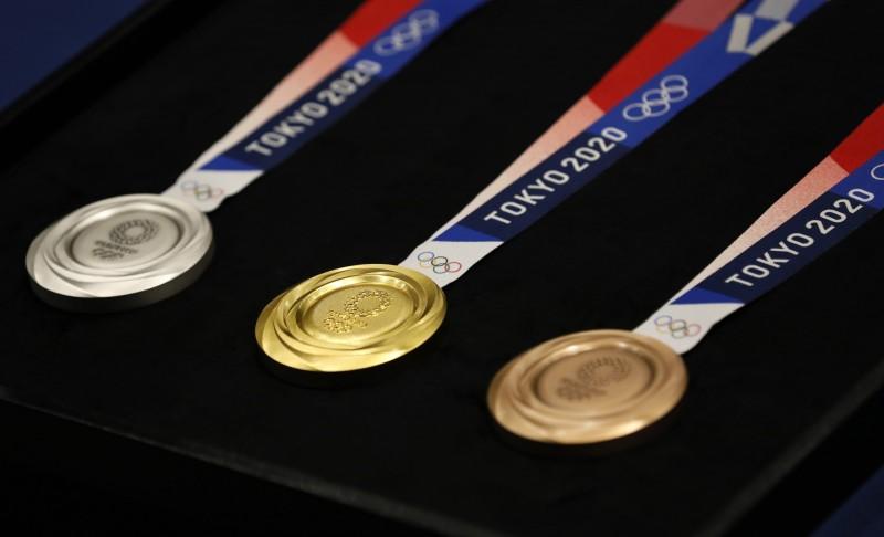 2020東京奧運的獎牌今日亮相。圖為獎牌正面。(歐新社)