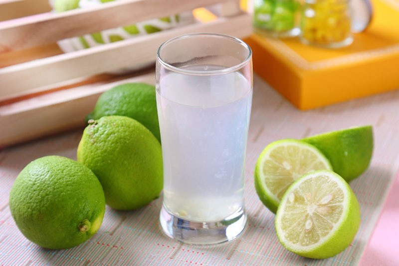 國民健康署指出,人體血液酸鹼值是恆定的,無法藉由喝檸檬水或是其他飲食改變。(資料照)