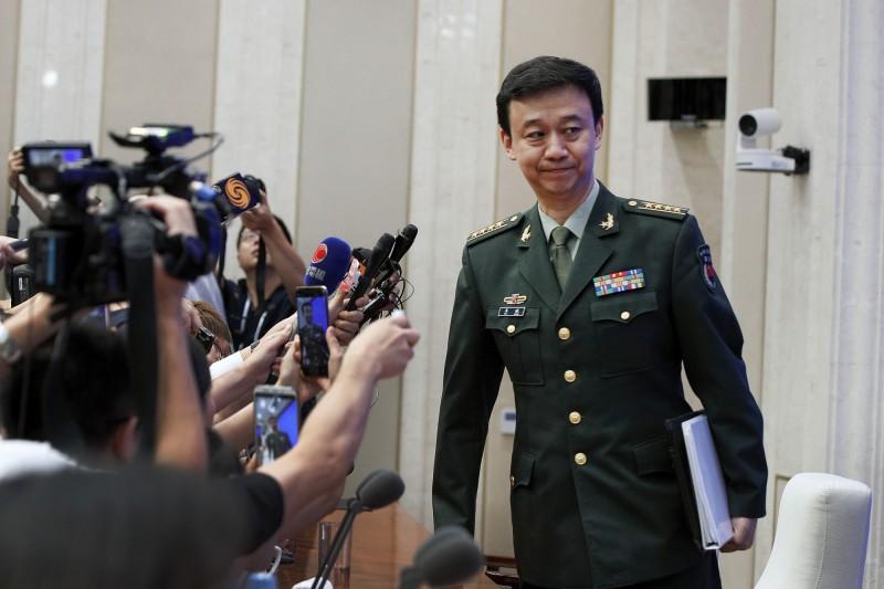 中國國防部發言人吳謙表示,若香港政府有需要,解放軍隨時都可以派遣。(美聯社)