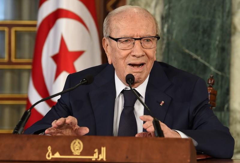 2014年當選突國總統的艾塞布西(Beji Caid Essebsi)今(25)日中午在首都的軍醫院去世,享耆壽92歲。(法新社)