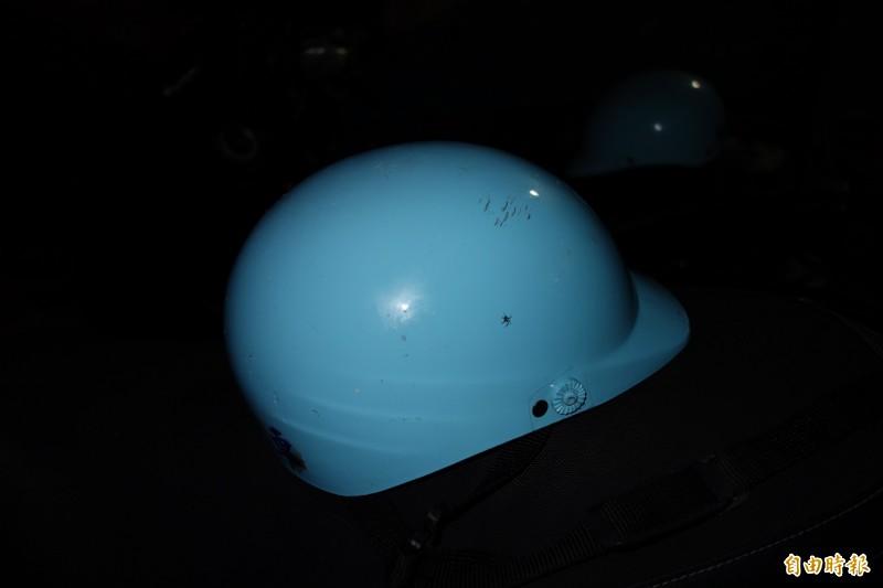 安全帽變成攻擊武器,當街爆發肢體衝突。(記者劉禹慶攝)
