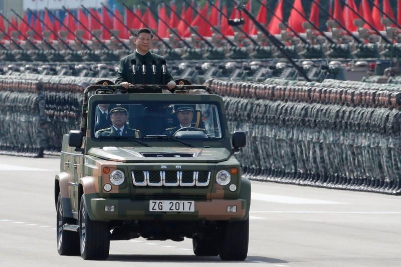 「駐港解放軍」自1997年主權移交後,便有部分留港。而是否派軍隊鎮壓「反送中」抗議民眾一直都是外界的疑慮。(美聯社)