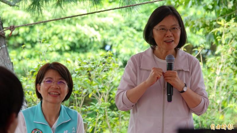 總統蔡英文今天到彰化,全力回嗆國民黨的守護中華民國說法。(記者劉曉欣攝)