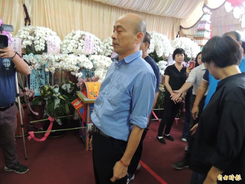 韓國瑜今抵台東弔唁前台東縣長吳俊立的亡父。(記者陳賢義攝)
