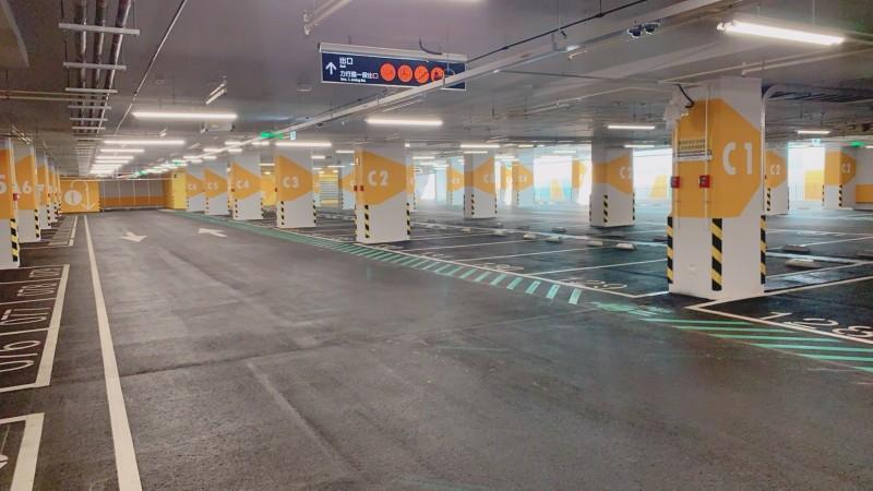 新北市三重商工地下停車場將於明天(30日)啟用,是前瞻建設計畫挹注興建、首座完工的停車場。(圖由交通局提供)
