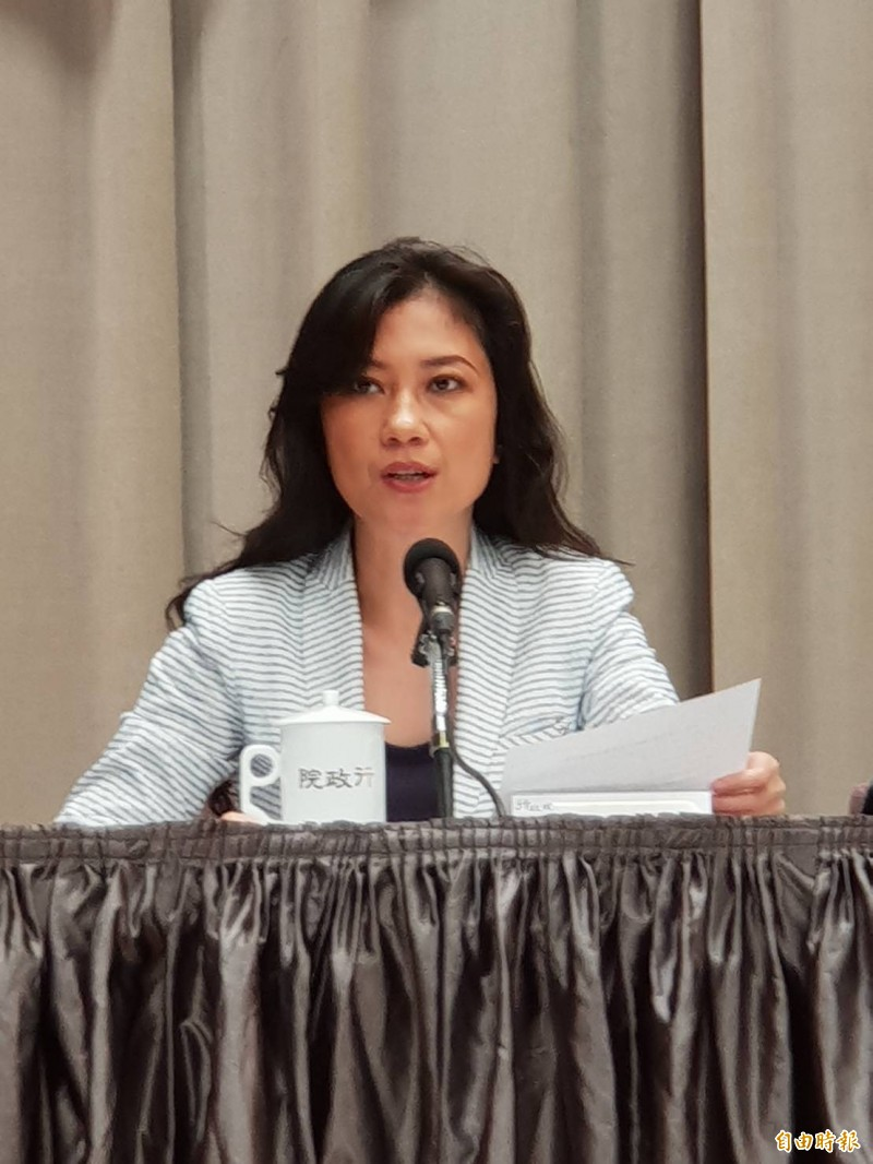 中國宣布自8月1日起暫停申請及核發赴台灣自由行通行證,行政院發言人谷辣斯.尤達卡(Kolas Yotaka)強烈譴責,呼籲中國政府應放下鴨霸的心態,放下預設的政治前提。(資料照)