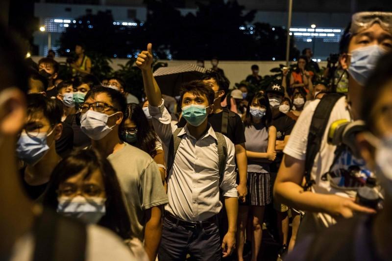 中國外交部指香港「反送中」抗議活動是美國的「作品」,暗示美國為幕後黑手。美國國務院30日回應,表示這是中國荒謬的陳述,駁斥將外國勢力視為反送中幕後黑手的不實指控。(法新社資料照)