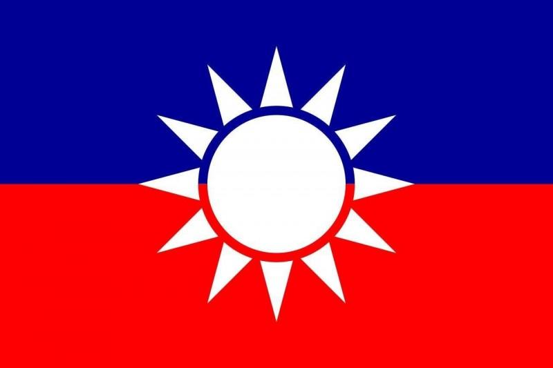 台灣基進黨發言人陳柏惟稍早製圖諷刺,「台灣民眾黨加入郭先生=郭台民黨」。(截取自「3Q 陳柏惟」臉書)