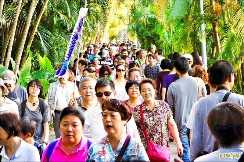 中國1日起全面停辦中客赴台自由行簽證,包括北京、上海、廈門等47個開放台灣自由行城市,都將取消赴台自由行。(資料照)