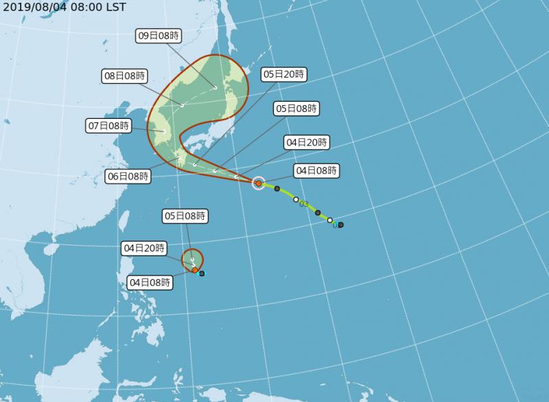 范斯高預計撲向日本九州一帶,而準利奇馬北上趨勢不變,重點在於其北上過程,會距離台灣多近。(中央氣象局)