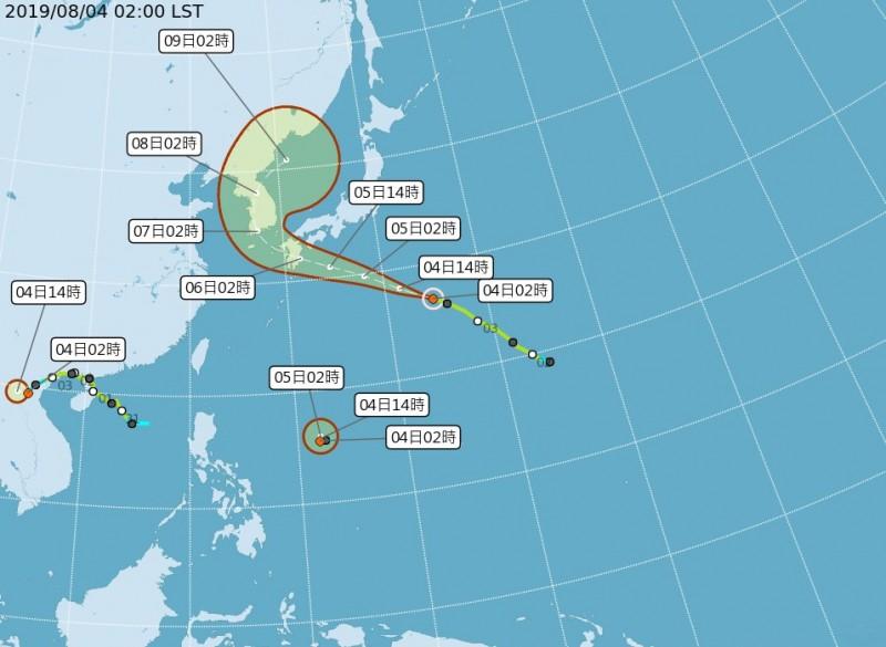 氣象專家吳德榮指出,未來在季風低壓的環境下,包含關島、南海周邊各有熱帶系統發展,若成真可能出現「多颱共舞」的情況,但模擬預測的「不確定性」很高,後續仍有待觀察。(圖擷自氣象局網站)