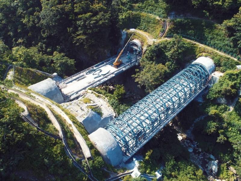 蘇花改連接觀音隧道與谷風隧道的鼓音橋。(圖由蘇花改工程處提供)