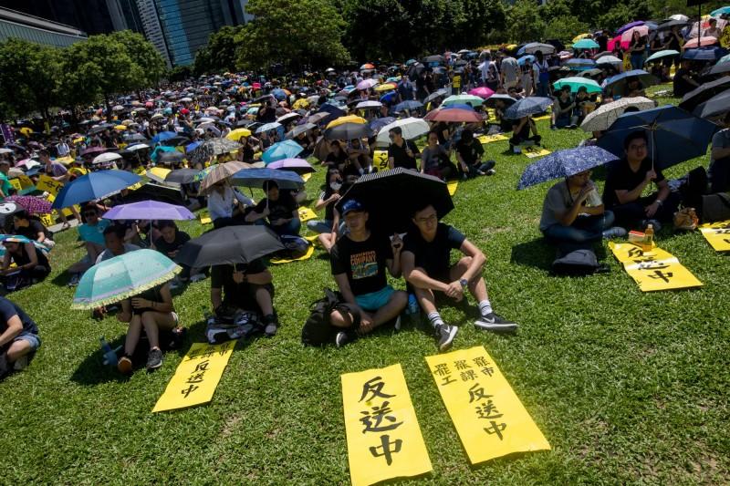 港人今天發動「全港大三罷、七區集會」的行動。(彭博)