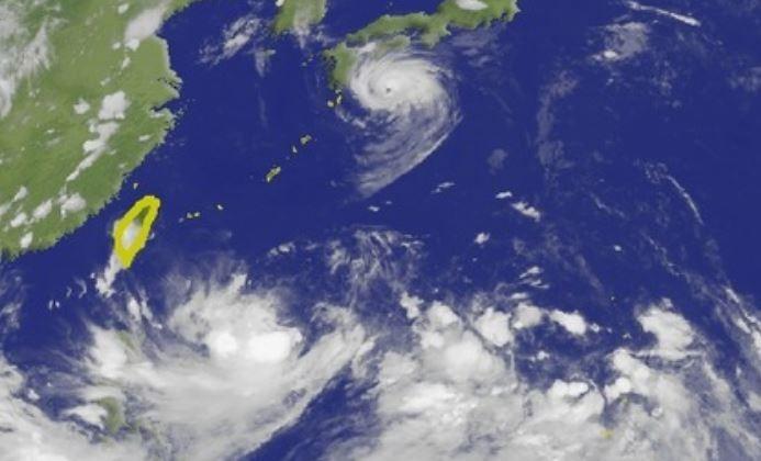中央氣象局資料顯示,西太平洋目前共有2颱風、1熱帶性低氣壓。(圖擷取自中央氣象局)