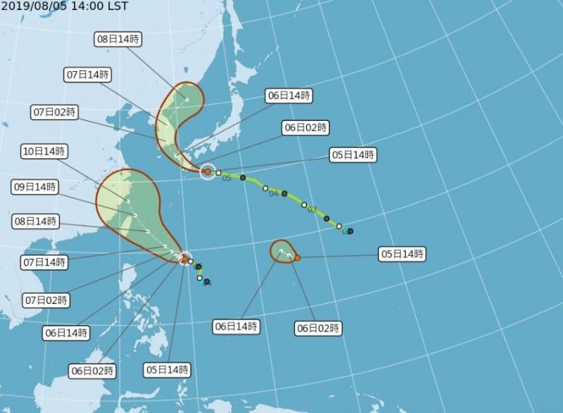 輕颱利奇馬(圖左)預計週四、五(8日、9日)接近台灣機會高,輕颱范斯高(圖上)未來將朝日本及韓國前進,而熱帶性低氣壓「TD15」(右下)正在持續發展,成為颱風機率高。(圖擷取自中央氣象局)